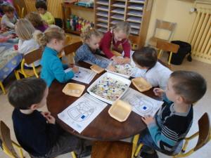 Ecole jeanne d'arc PS Ateliers classe